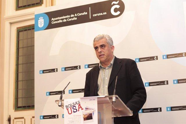 El edil de A Coruña Francisco Mourelo presenta Becas para USA