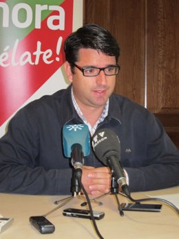 El coordinador provincial y candidato de IU a la Alcaldía, Pedro García