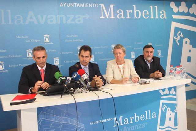 Ángeles Muñoz y responsables de Vodafone