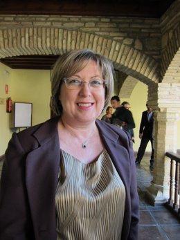 La delegada de Fomento, Vivienda, Turismo y Comercio, Marisantos Córdoba