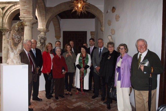Cañadilla (centro), junto al resto de autoridades y familiares de Teno