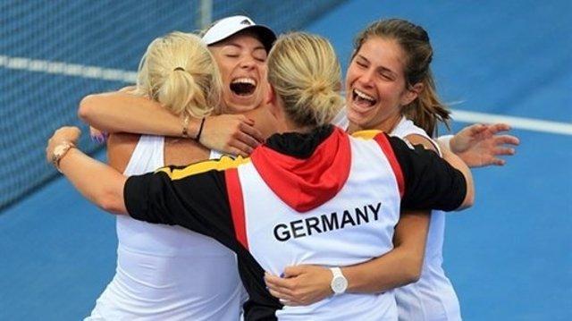 La República Checa, favorita ante una Alemania que busca el título 22 años