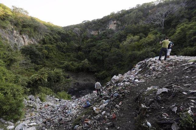 Basurero donde habrían sido quemados estudiantes de Iguala