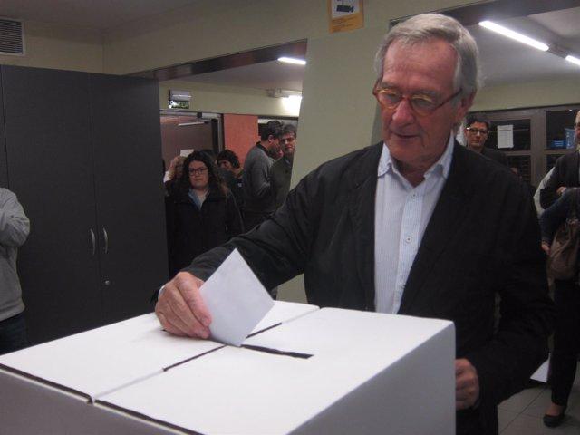 Xavier Trias, alcalde de Barcelona (CDC, CiU), vota el 9N