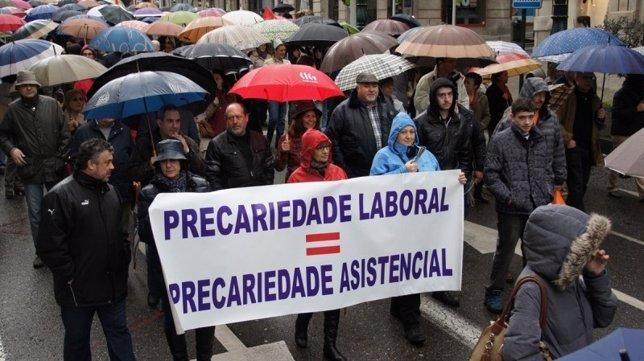 Manifestación de los trabajadores de Povisa en Vigo
