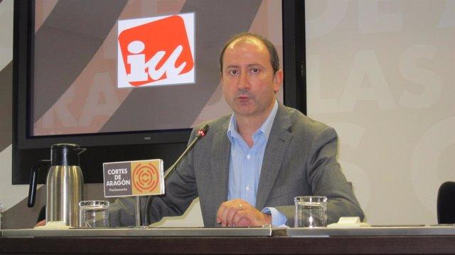 El diputado de IU, Luis Ángel Romero