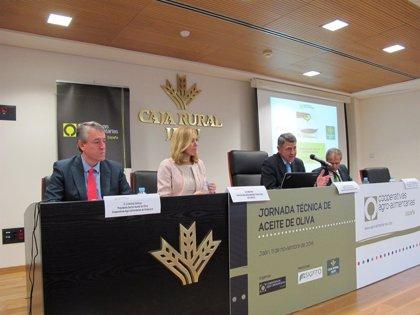 Cooperativas Agro-alimentarias de España analiza en Mengíbar (Jaén) la actualidad del sector del aceite de oliva