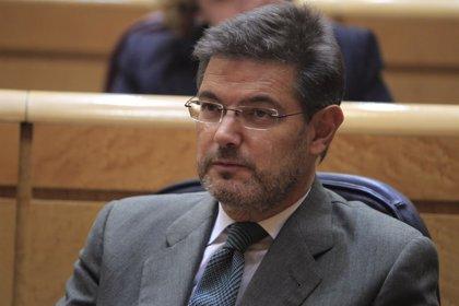 """Catalá asegura que el Gobierno """"no da instrucciones"""" a la Fiscalía, que ejerce con autonomía su actuación por el 9N"""