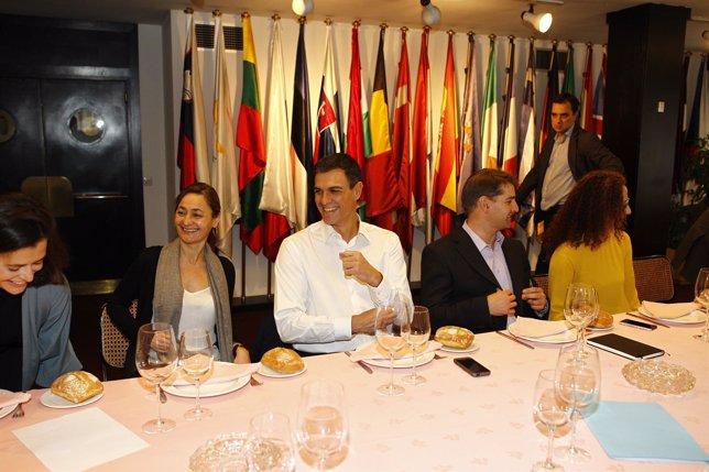Pedro Sánchez con 'Economistas frente a la crisis'