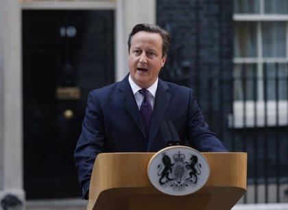 """Cameron espera aprobar """"en breve"""" nuevas leyes para prohibir a yihadistas regresar a Reino Unido"""