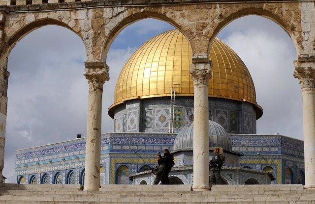 Agentes de la Policía de fronteras israelí en la Explanada de las Mezquitas