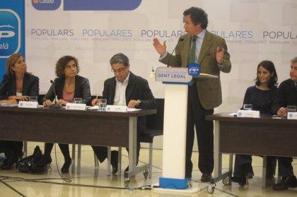 """Floriano contrasta la reacción """"implacable"""" del PP ante la corrupción con la del PSOE por los ERE"""