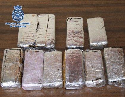 La Policía Nacional detiene a un joven y se incauta de más de seis kilos de heroína