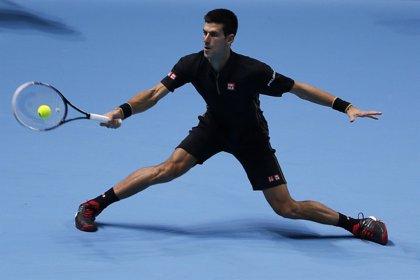Djokovic se asegura el número uno tras apabullar a Berdych