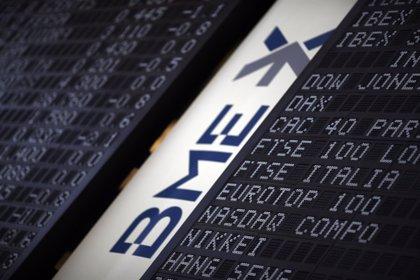 El Ibex 35 cierra plano y acumula una leve subida semanal del 0,2%