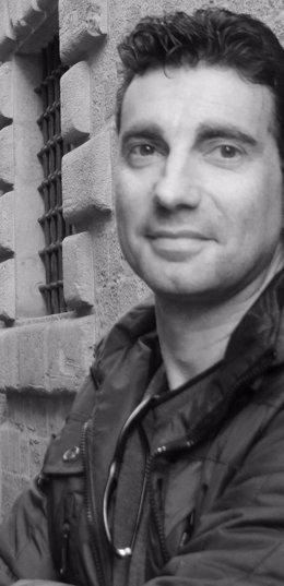 Manuel Valderrama Donaire publica 'El hombre de perfil'