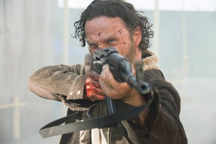 The Walking Dead: Rick al rescate en la promo de Crossed