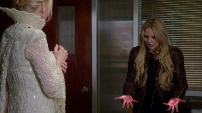 Once Upon A Time: Elsa se enfrenta a Emma en el primer clip de Fall