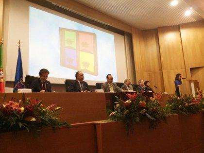El director gerente del SES destaca la aportación de las nuevas tecnologías a la ciencia médica