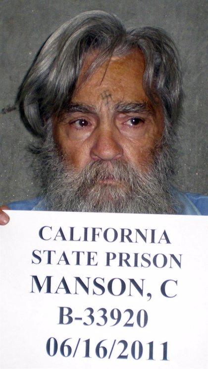 Charles Manson obtiene una licencia de matrimonio