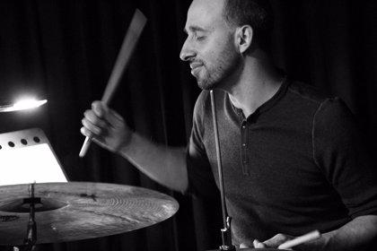 Harris Eisenstadt y su Canada Day llevan al Jimmy Glass ritmos africanos, de Europa del Este, Irán y Bali