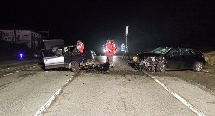 Dos heridos, uno con pronóstico grave, en una colisión en Larraun