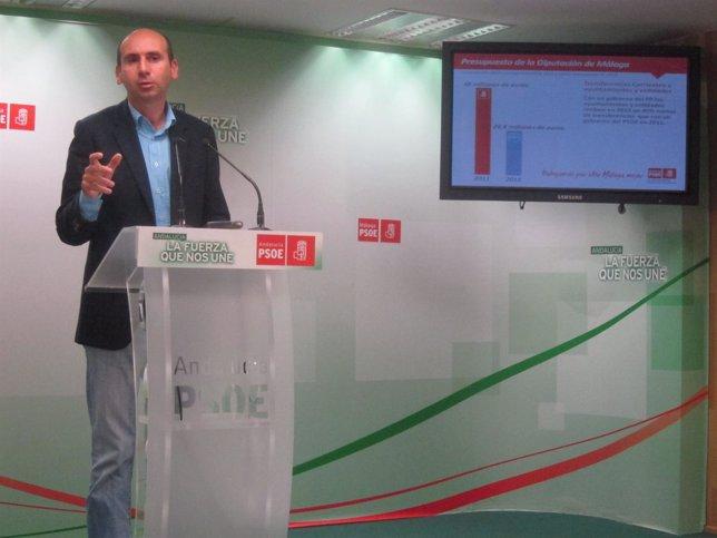 Francisco Conejo en rueda de prensa PSOE Diputación presupeusto