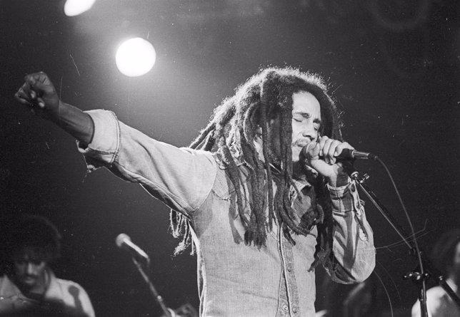 El músico Bob Marley durante un concierto