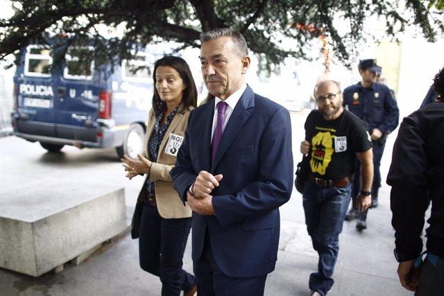 Paulino Rivero asiste a un acto contra las prospecciones petrolíferas en Canaria