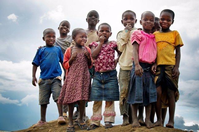 Grupo de niños negros en Mbeya