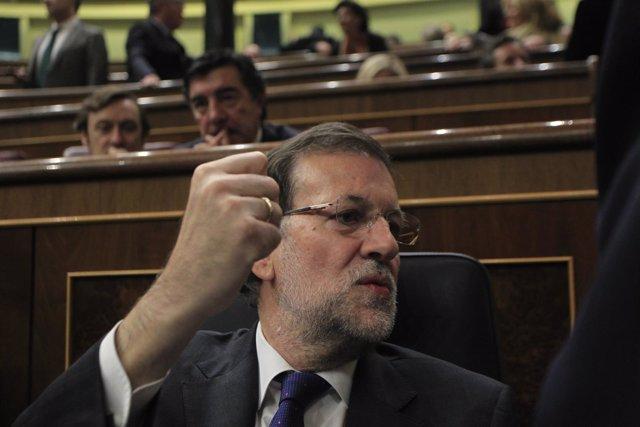 Mariano Rajoy y Rafael Hernando y Bermúdez de Castro al fondo