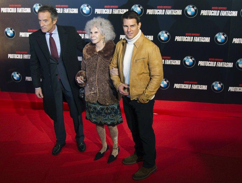 La Duquesa junto con su marido Alfonso y Tom Cruis