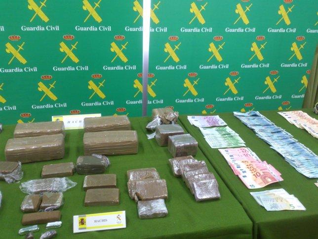 Droga y material incautado en la operación Sinobas