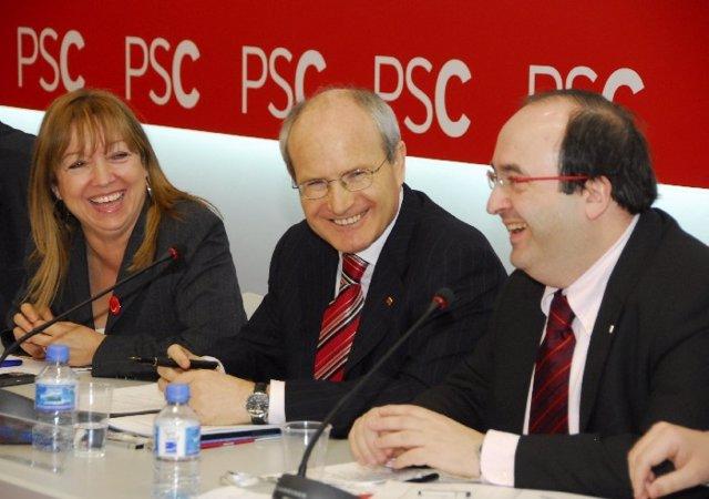 Los dirigentes del PSC Manuela de Madre, José Montilla y Miquel Iceta