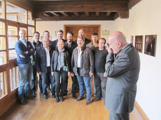 Carnero fotografía a los gráficos ganadores del Premio Provincia de Valladolid