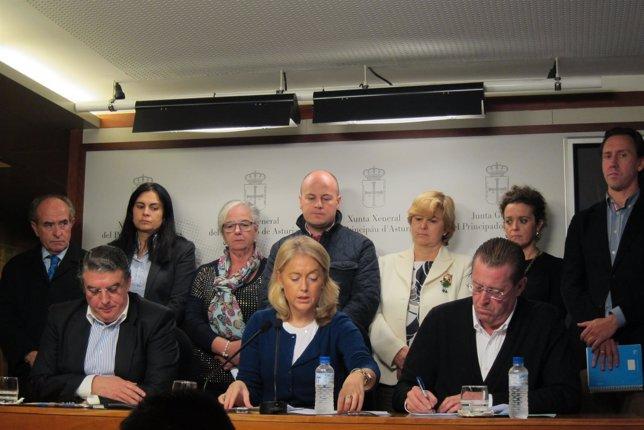 Diputados de Foro Asturias, en la rueda de prensa