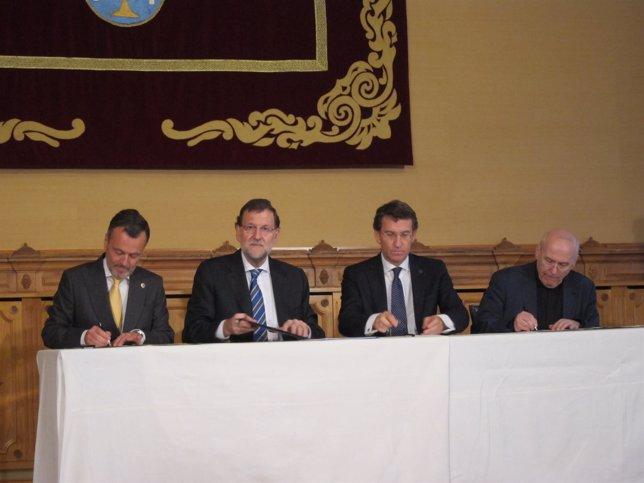 Rajoy firma el convenio de colaboración con la Catedral de Santiago