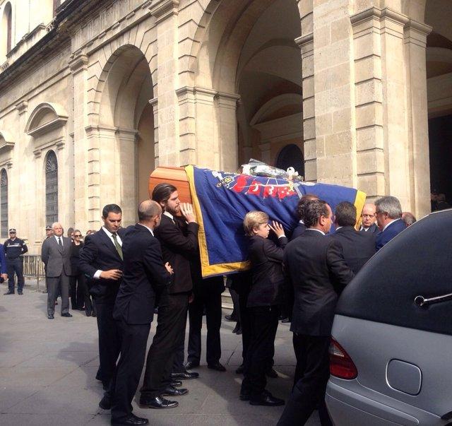Llegada del féretro de la Duquesa de Alba al Ayuntamiento de Sevilla