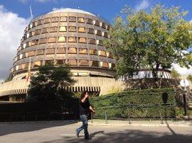 El Constitucional admite a trámite el recurso del PSOE