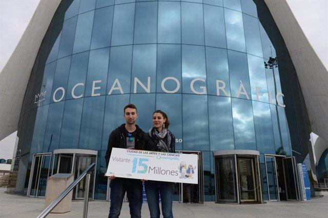 La pareja con la que el Oceanogràfic ha alcanzado los 15 millones de visitantes