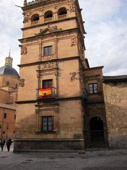 Crespón negro en el Palacio Monterrey de Salamanca