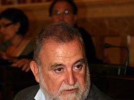 La Guardia Civil cita como imputado a Torrijos, que se niega a declarar
