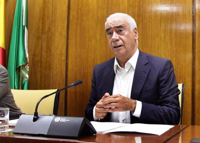 Luciano Alonso en comisión parlamentaria
