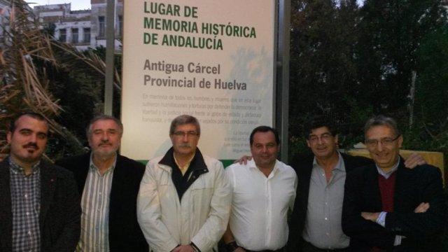 Miembros de IU en un acto sobre la Memoria Histórica.