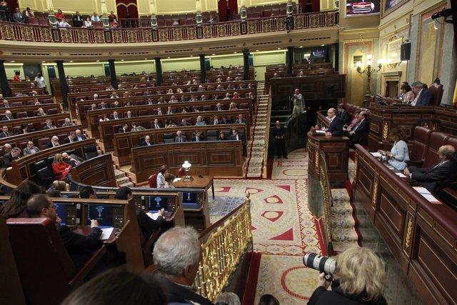Pleno del Congreso de los Diputados con Cristóbal Montoro