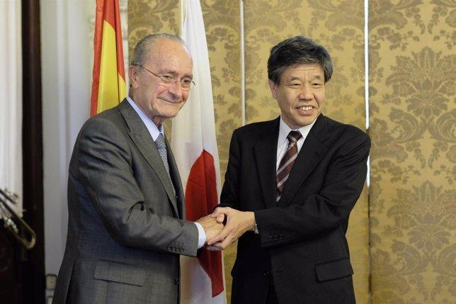De la Torre y vicegobernador de la prefectura de Kioto, Akimasa Yamashita