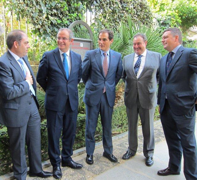 Amor, Llorente, Nieto, Valiente y el director de El Día ante el Alcázar