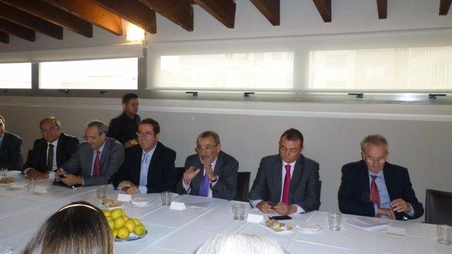 Garamendi reunido con empresarios valencianos