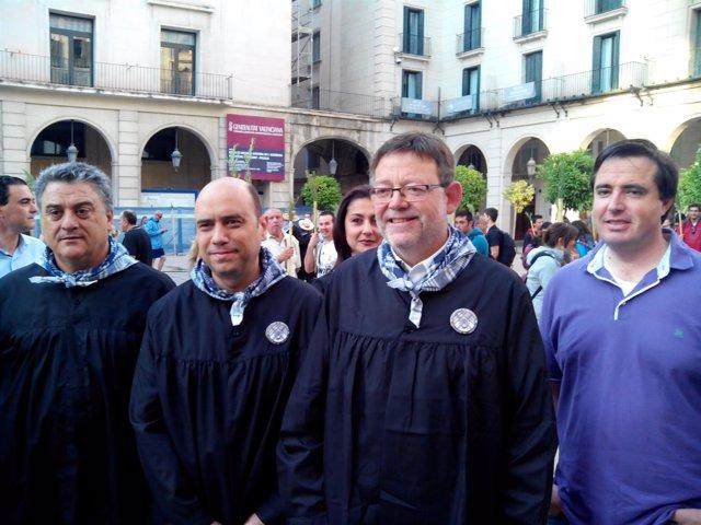Gabriel Echávarri, segundo por la izquierda, junto a Ximo Puig