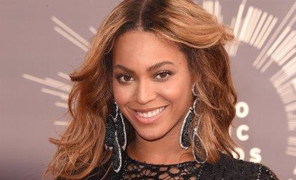 Escucha 2 nuevas canciones de Beyoncé: 7/11 y Ring Off
